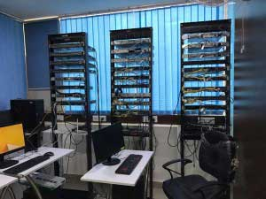UniNets lab: Real Cisco racks for practices